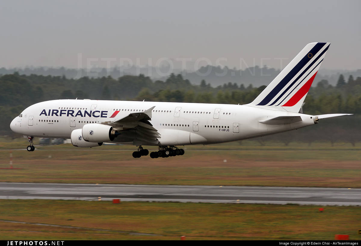 Two Air France flights divert because of bomb threats