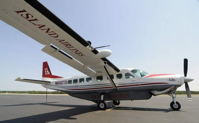 Island Air stops all service