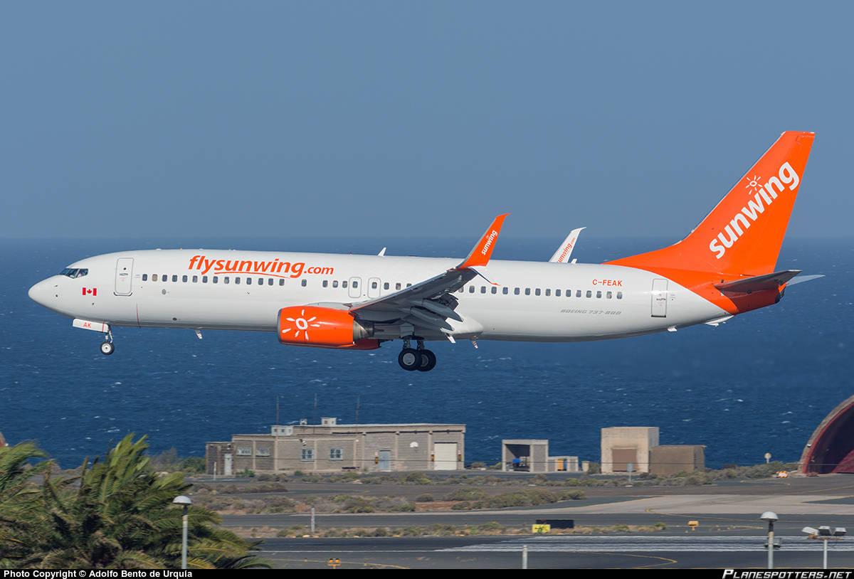 Passengers stuck on Sunwing flight at Hamilton for 8 hours