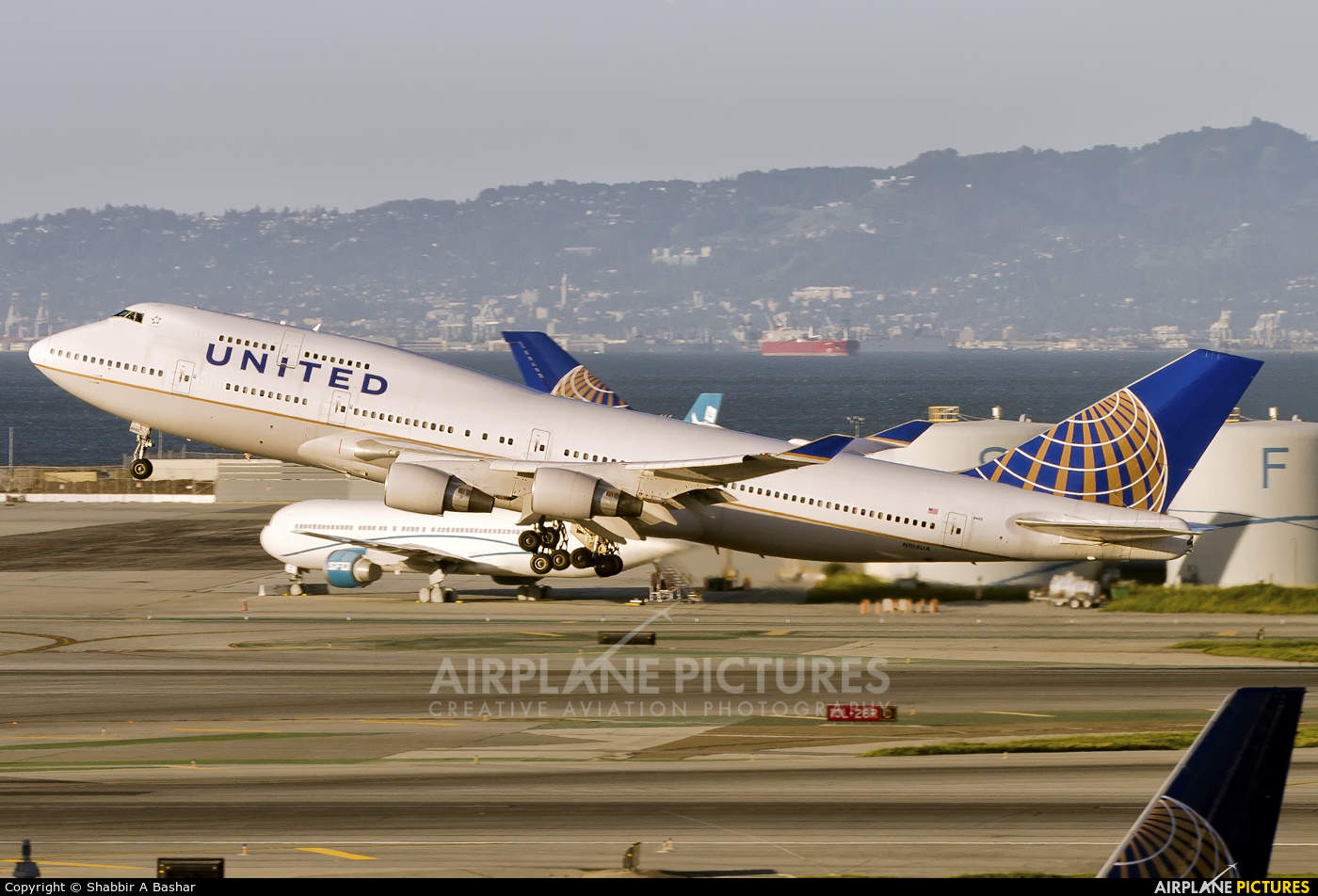 United Airlines pilot arrested for owning bordels