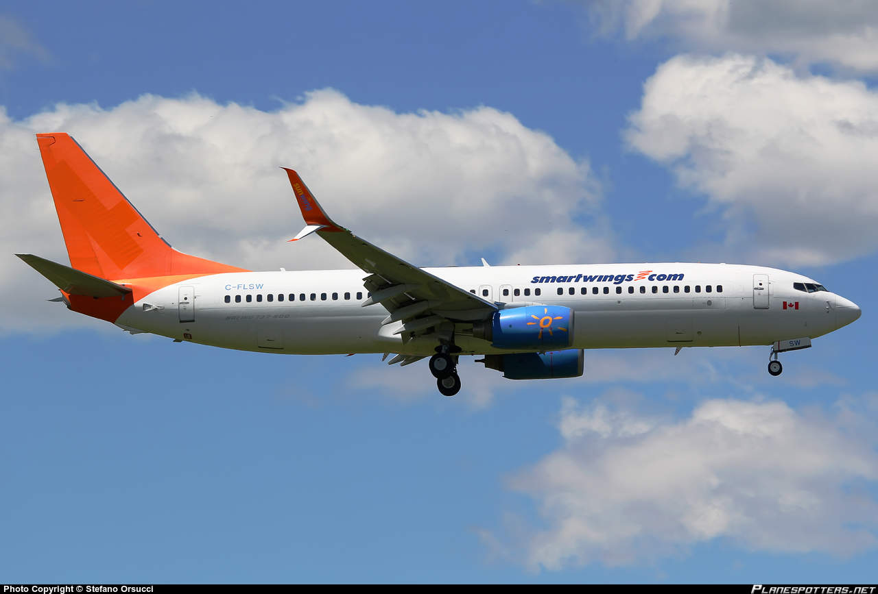 Sunwing flight diverts to Orlando because of intrument failure