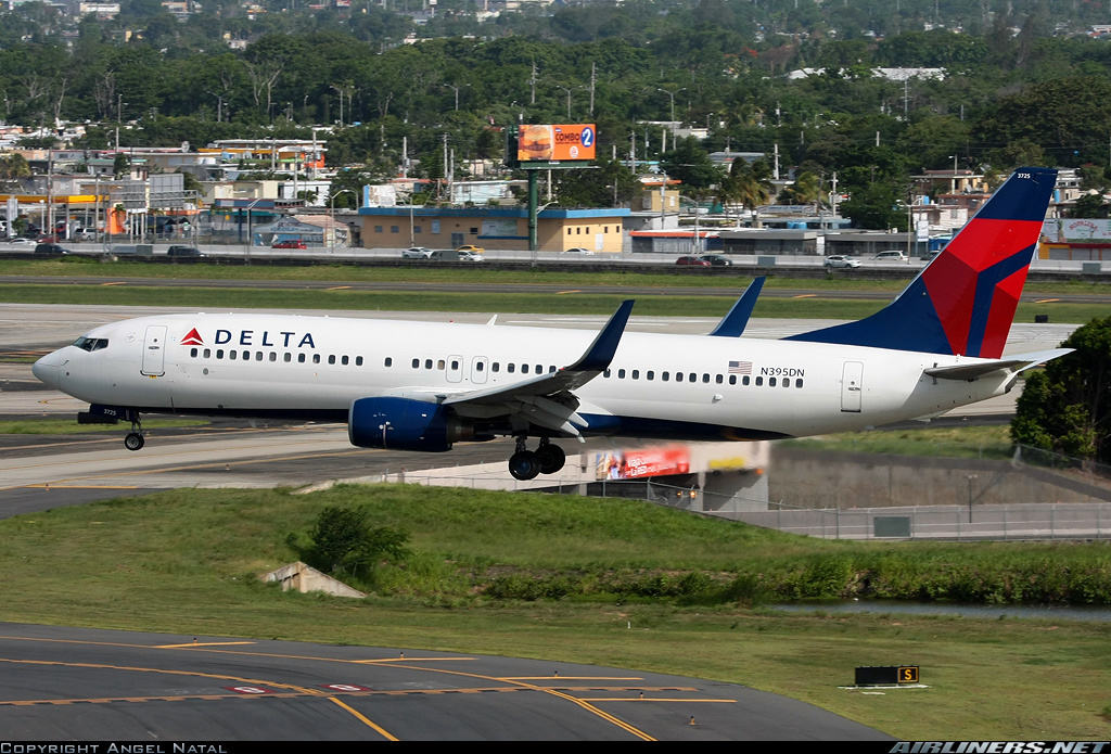 Flight Attendant injured because of turbulence on Delta Air Lines Boeing 737-832(WL)