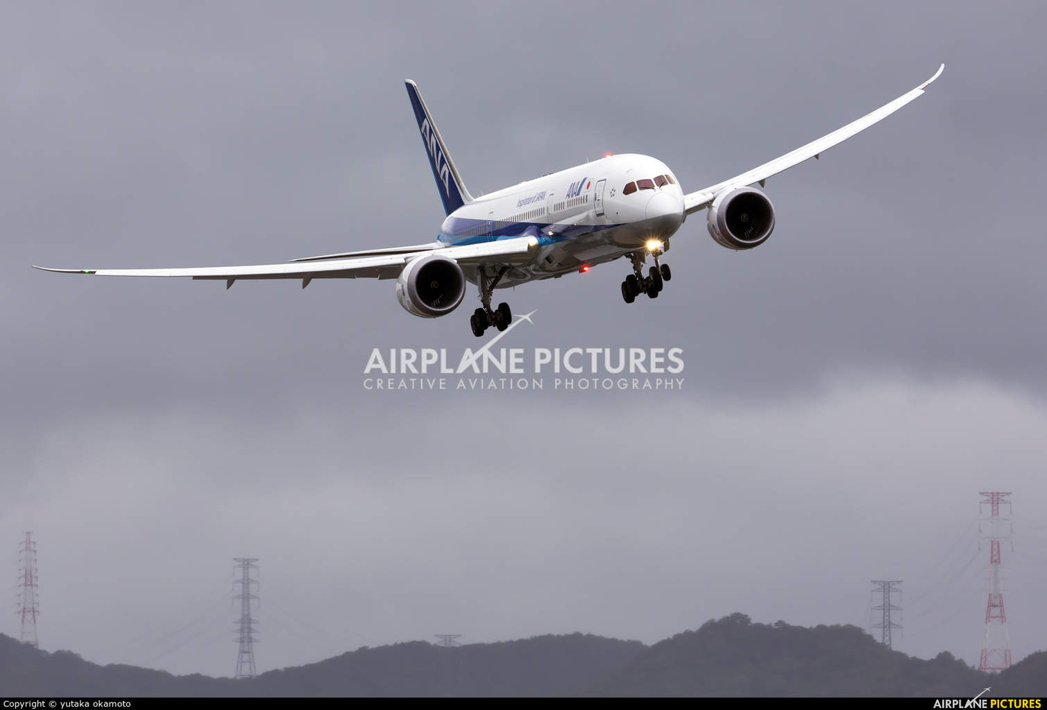 Boeing shows off Boeing 787-9 Dreamliner at Farnborough Airshow