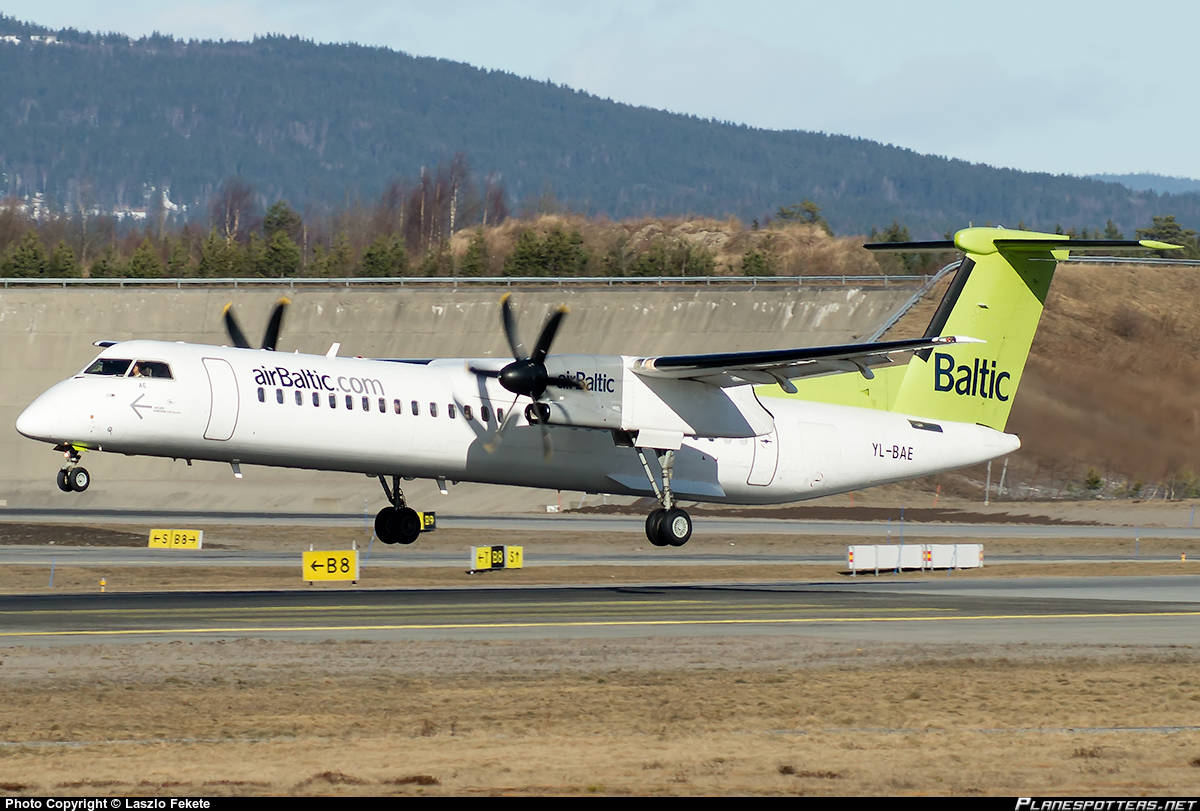 DHC-8-402Q of airBaltic has midflight engine shutdown