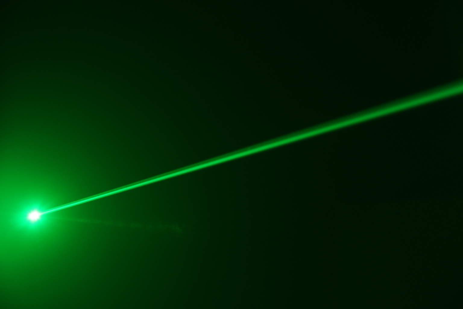 Pilot at British Airways suffers burnt retina because of laser