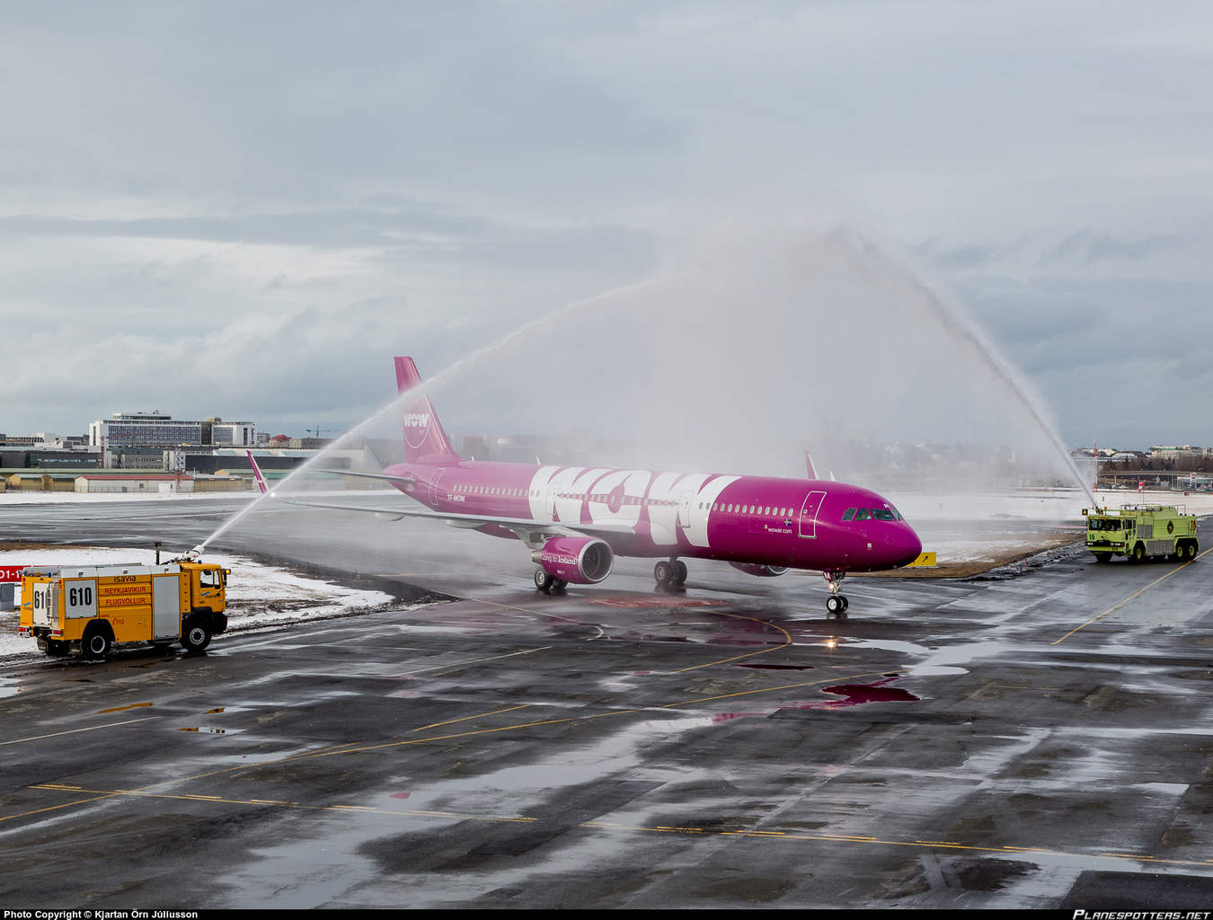 TF-MOM-WOW-air-Airbus-A321-200_PlanespottersNet_593017
