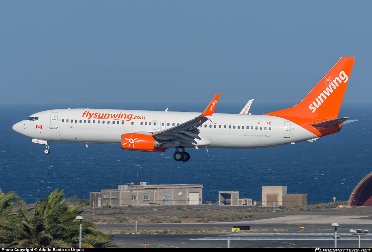 Passengers stuck on Sunwing flight at Hamilton for 8 hours
