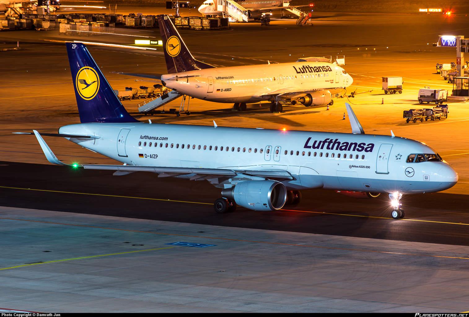 Passenger on Lufthansa flight tries to open door in-flight