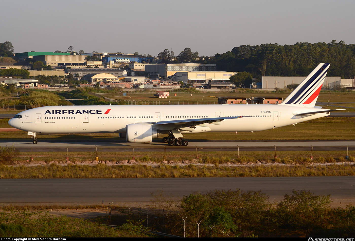Air France 83 diverts to Montreal because of a threat