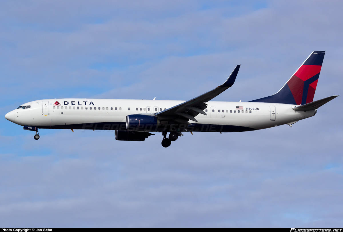 Delta Air Lines purchases 20x E-190 and orders 20x 737-900(ER)
