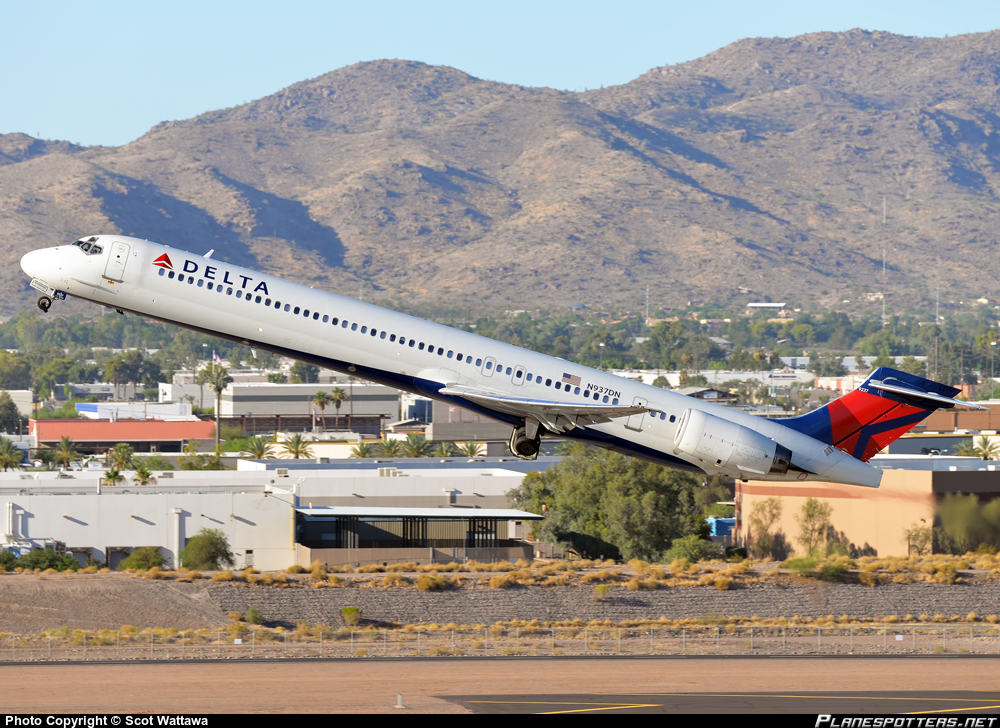 Delta Air Lines pilot turns flight around to bring passengers to funeral