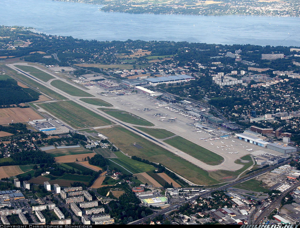 Over 30 employees loses their access badges at Geneva Airport