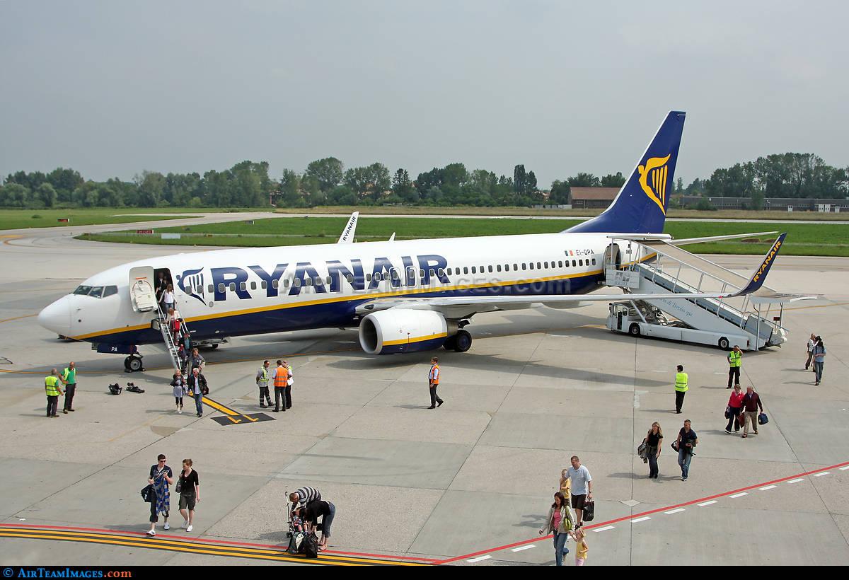 Ryanair transports over 100 Million passengers in 2015