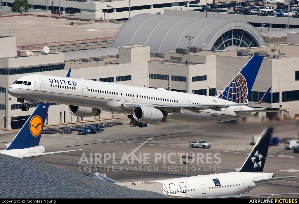 United Airlines to send 757-300 on LaGuardia-Denver
