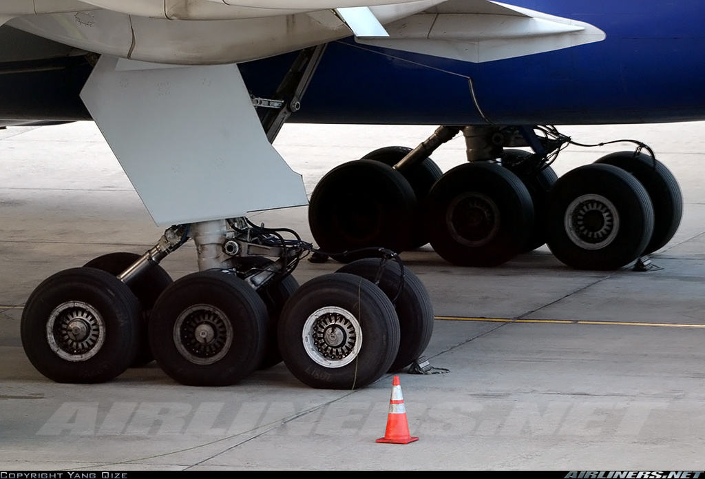 Boeing using more and more Michelin as sole tire provider