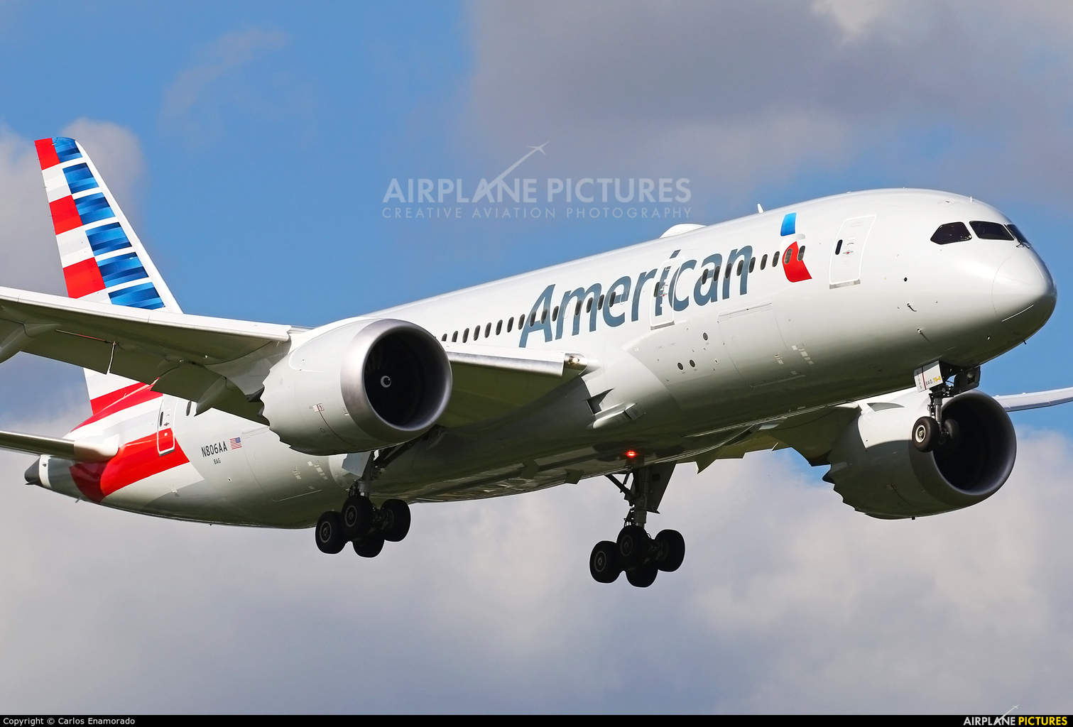 American Airlines sends Dreamliner to Manchester