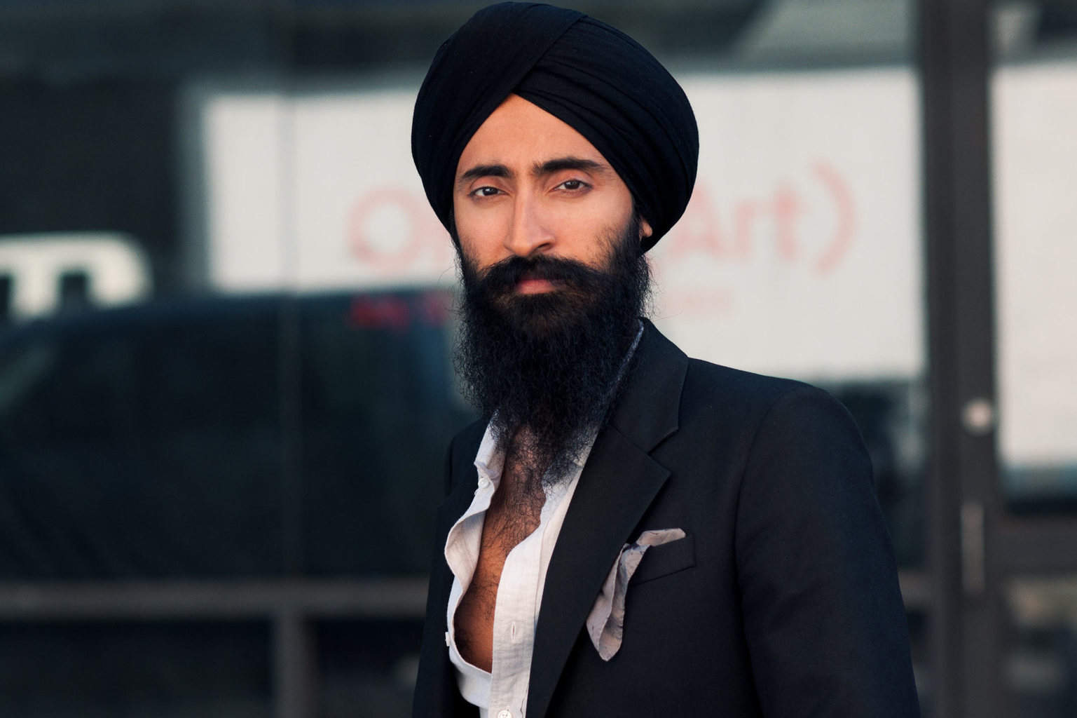 Sikh actor and designer banned from flying Aeroméxico because of Turban