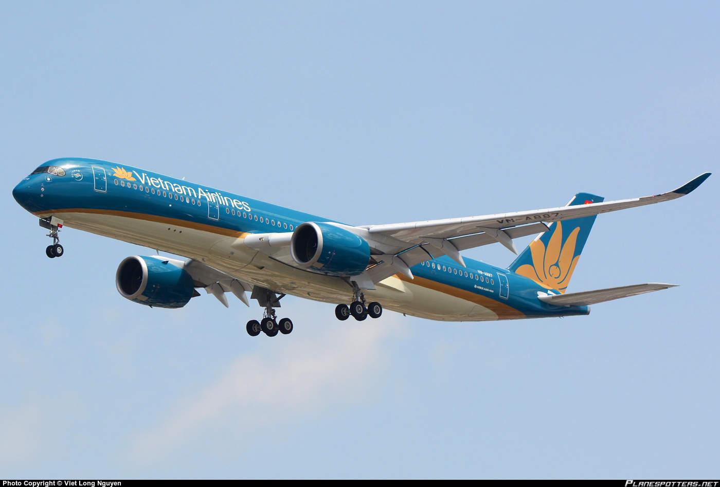 Airbus A350-941 looses cabin pressure over Vietnam