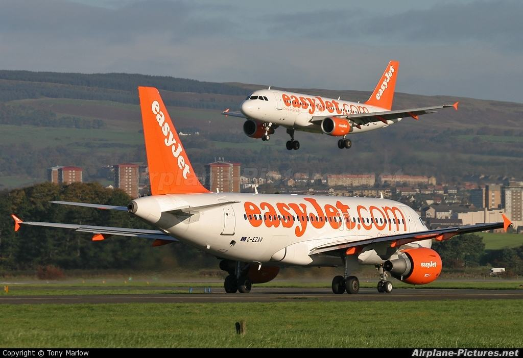 easyJet expands from Gatwick and Luton
