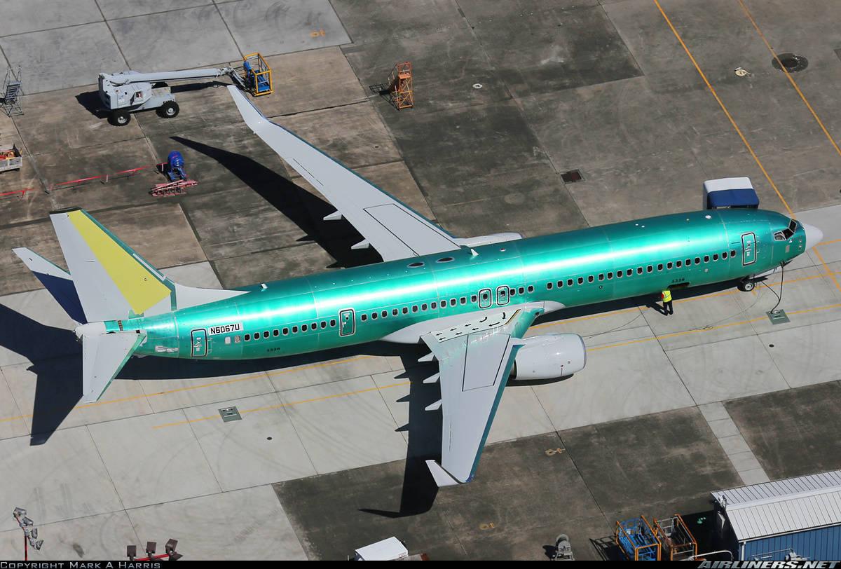 Boeing cuts 8 000 jobs
