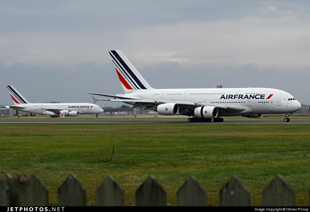 Air France-KLM swaps 2x A380 for 3x A350