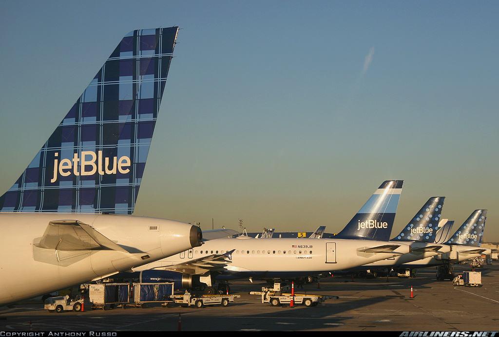 jetBlue looking at expanding ops. at Newark