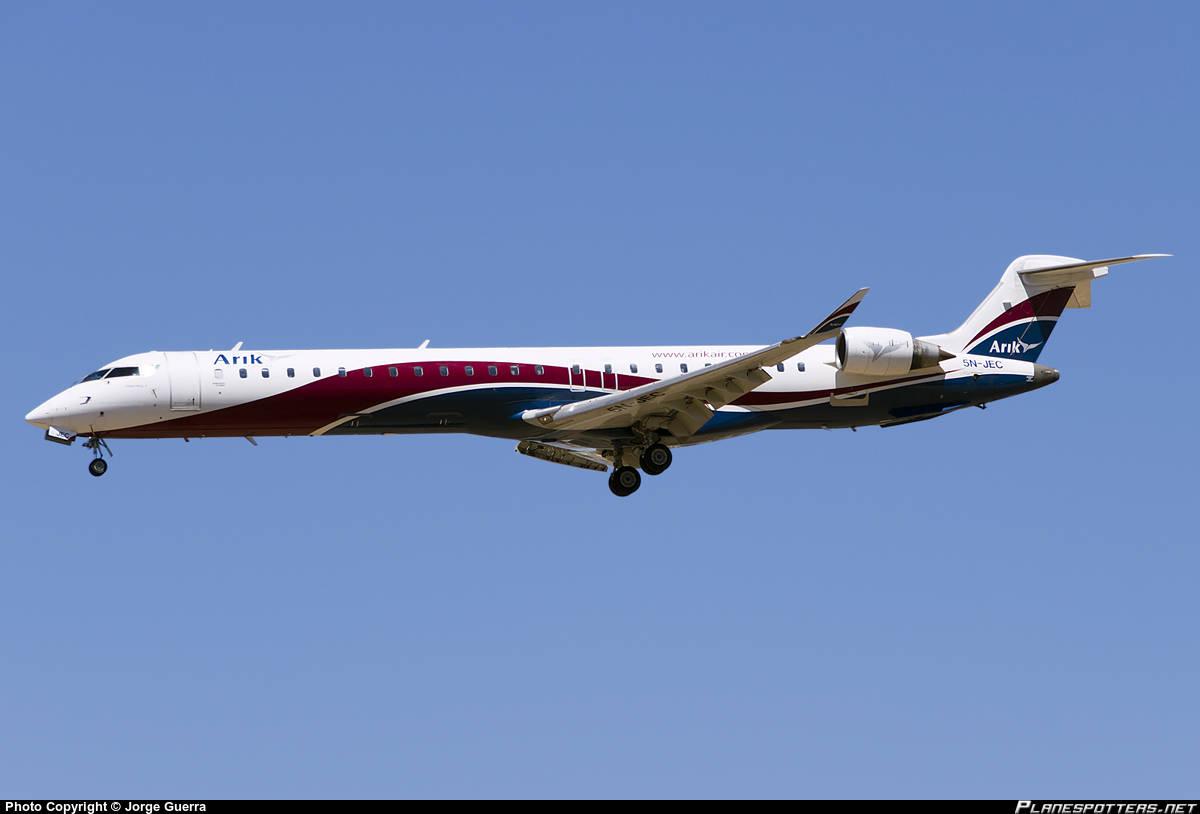 Arik Air CRJ shuts down engine inflight