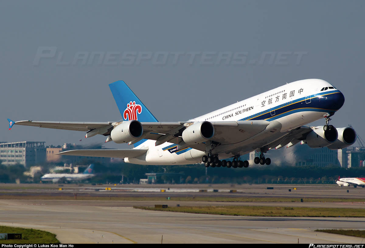 China Southern Airlines A380 can't retract gears