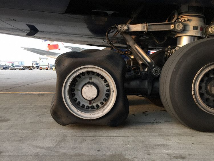 British Airways A380 lands with square tyre