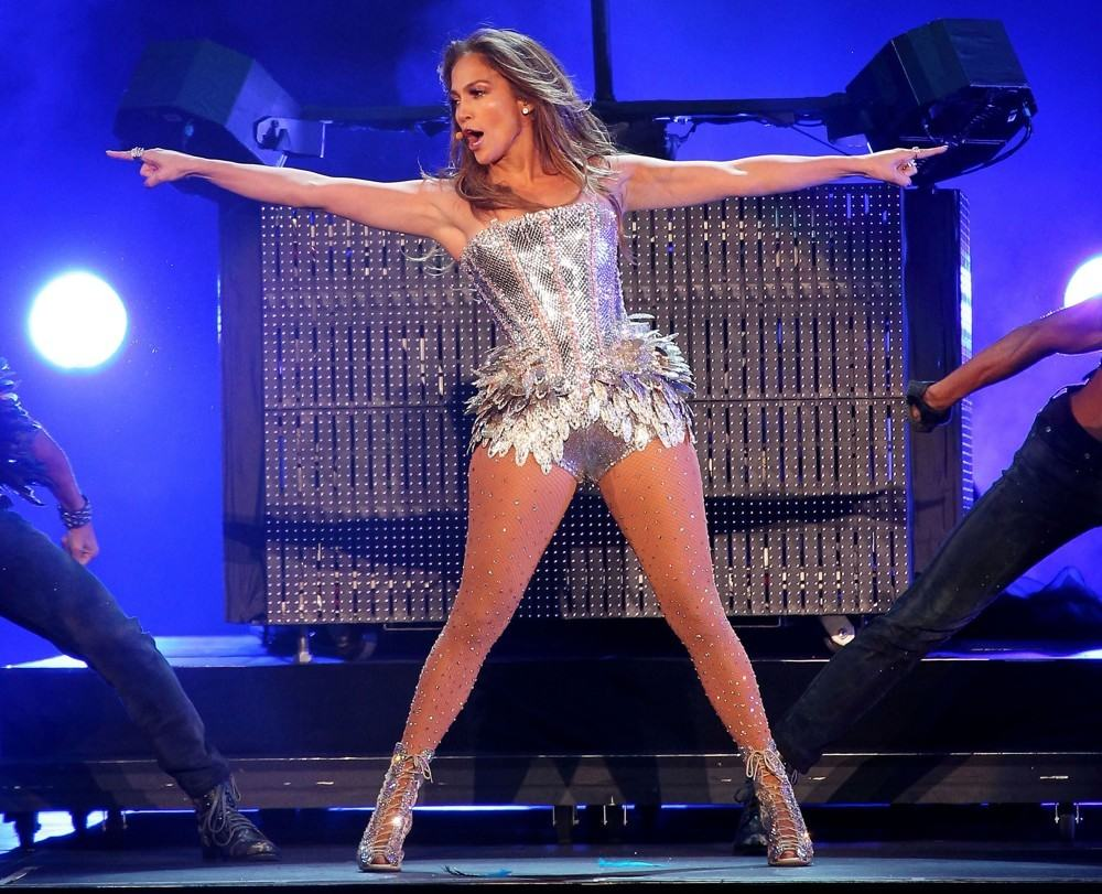 Jennifer Lopez asked to cancel private show in Atlanta because its for Qatar Airways