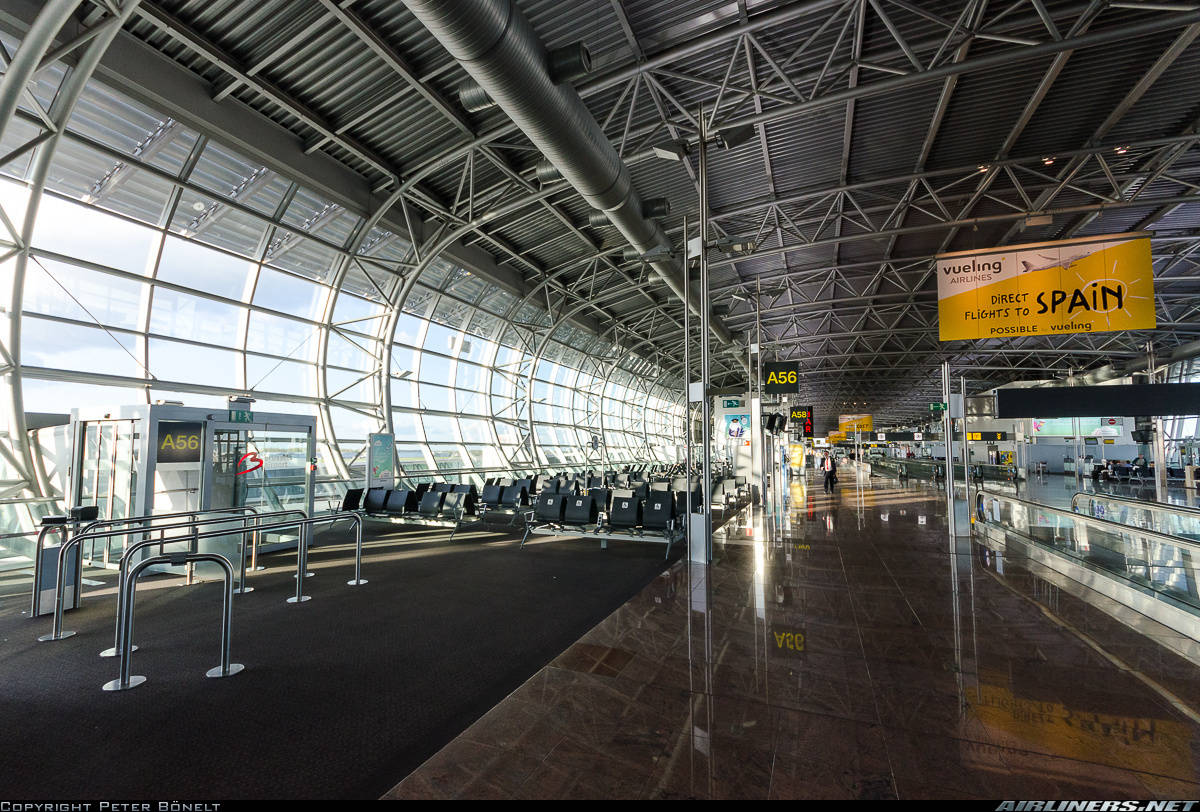 Brussels Zaventem airport gets hit by a power failure