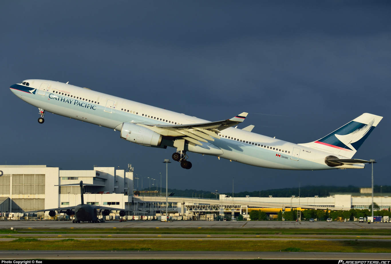 Cathay Pacific A330-343 has FBW problems