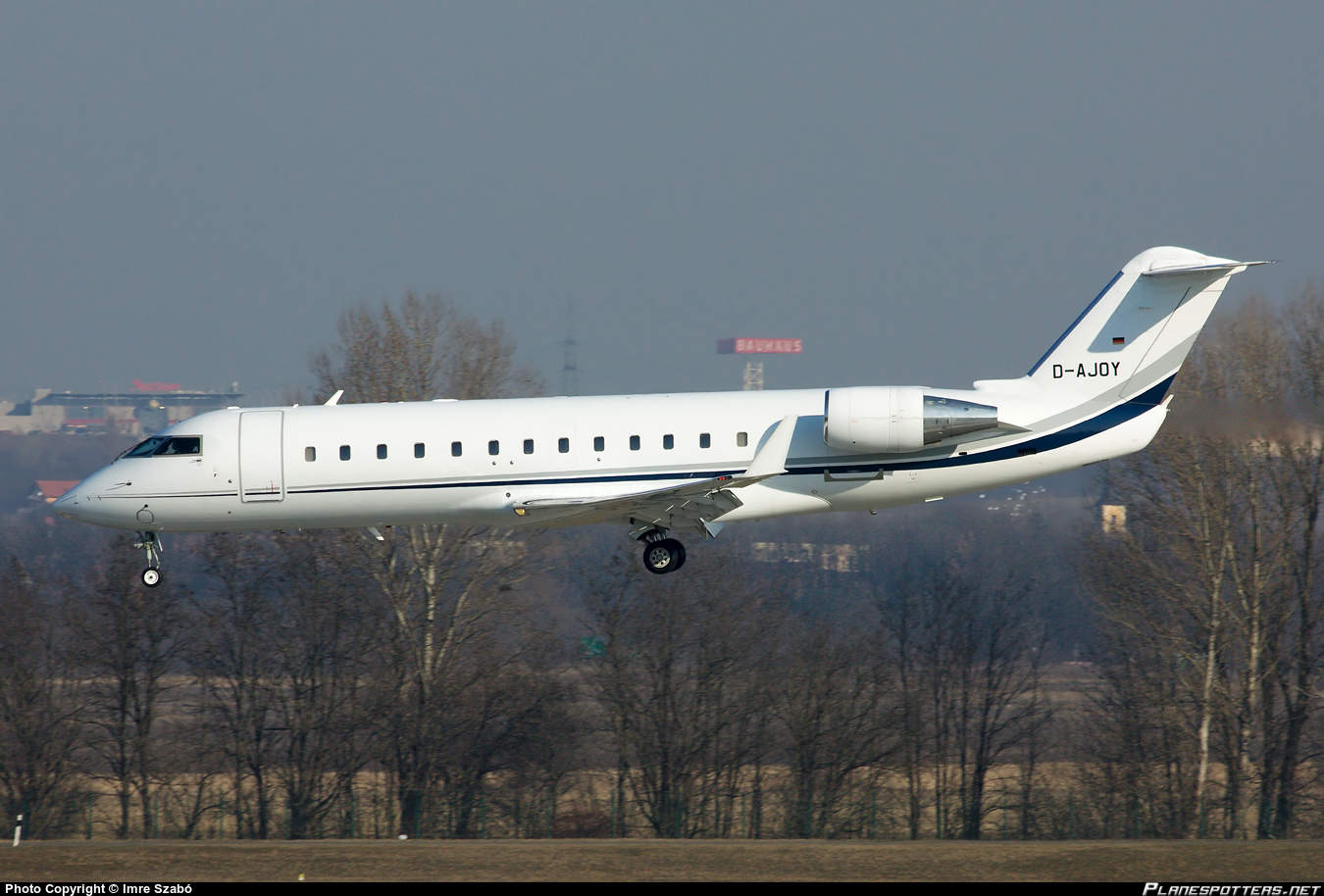 Elytra CL-600-2B19 losses all airspeed indications on landing