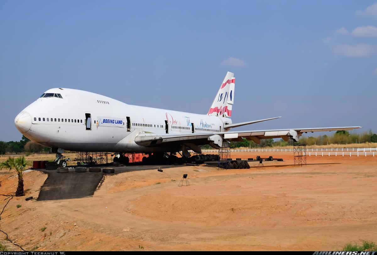 Hong Kong Authorities threaten to seize Boeing 747 of Orient Thai