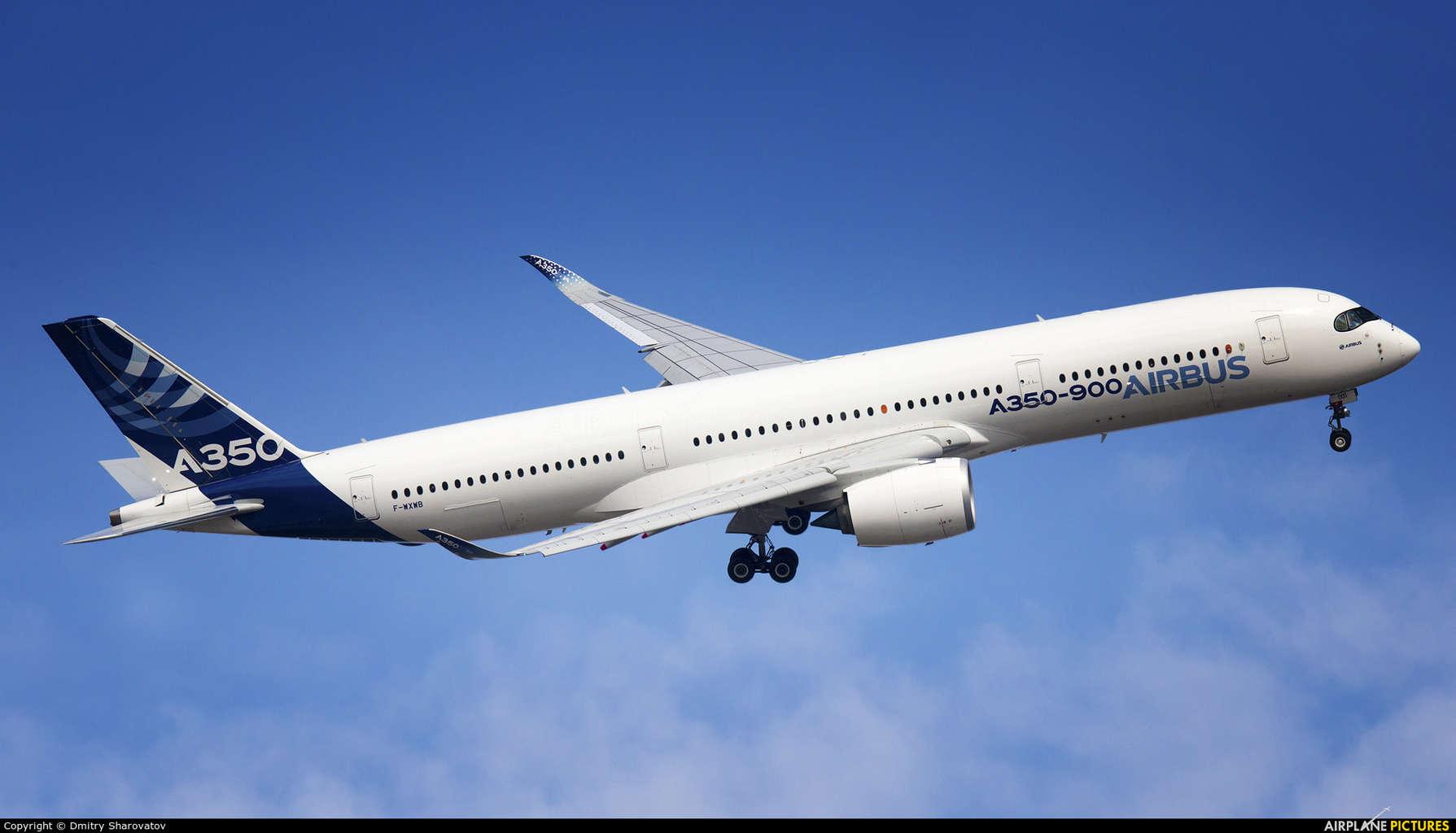 Airbus surpasses Boeing in total order