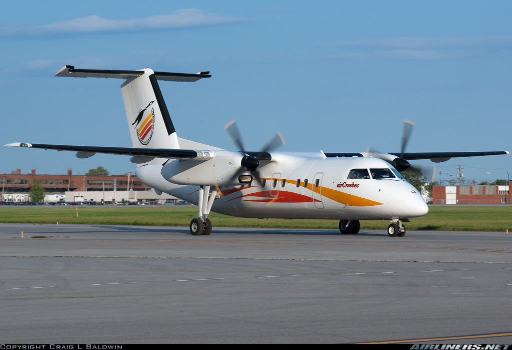 DHC-8-102 of Air Creebec has engine autofeather automatically on approach
