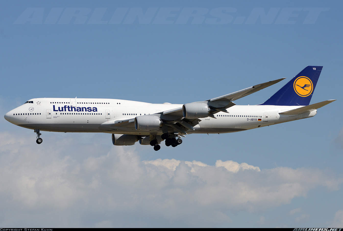 Lufthansa 430 diverts because of medical emergency