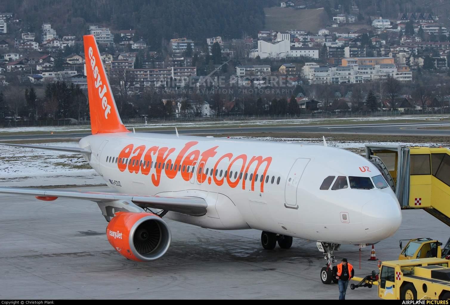 Muslim passengers forced off easyJet flight