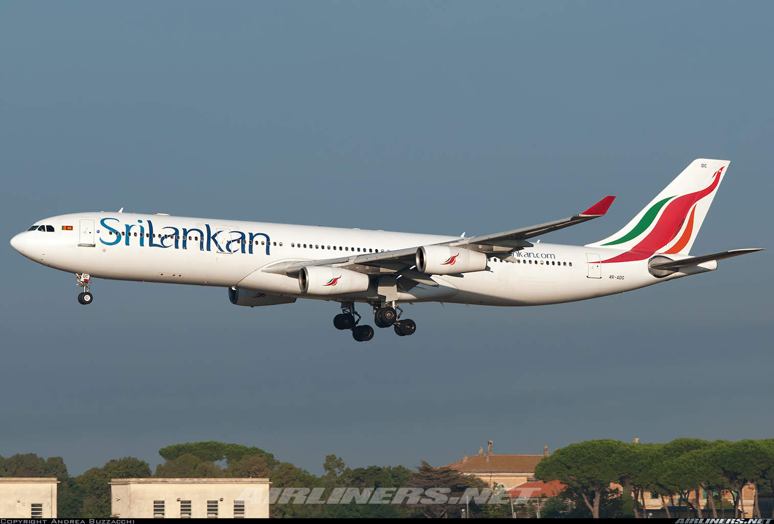 SriLankan Airlines looking at cancelling Airbus A350XWB order