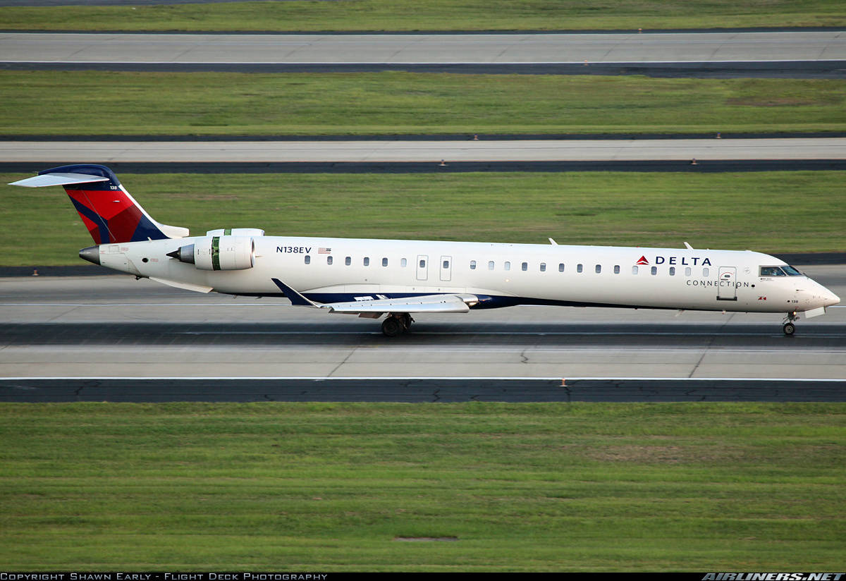 Lavatory fan causes an ExpressJet CRJ-900LR to reject take-off at Montreal