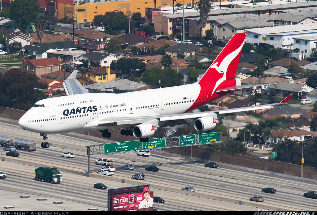 Qantas pilot proposes during Melbourne-Los Angeles flight