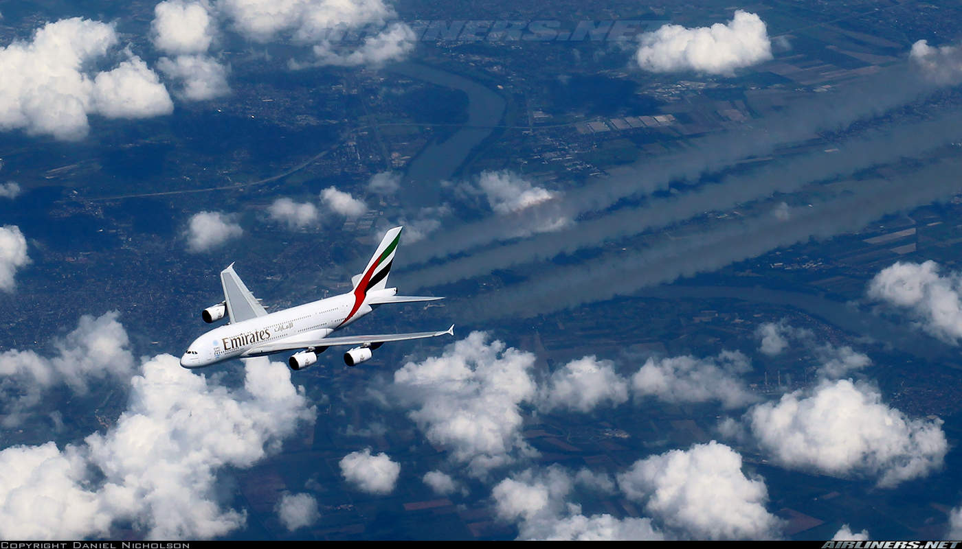 Profits plummets 75% at Emirates for first half