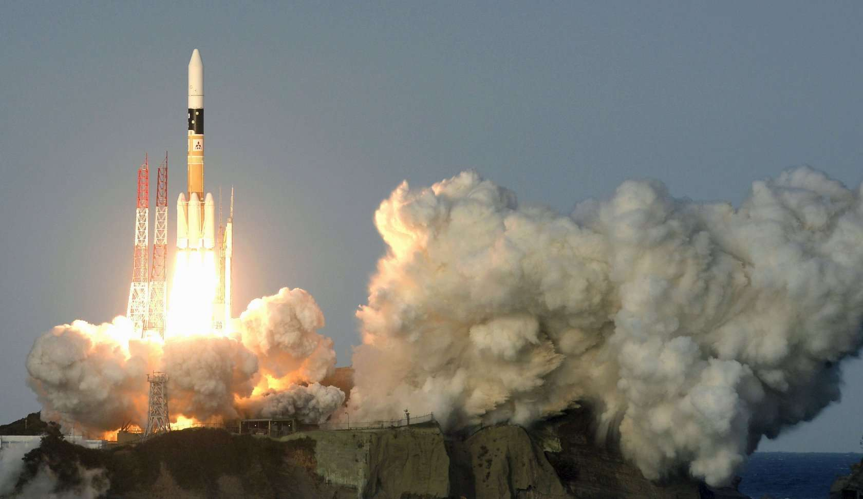 Everybody is looking at the US and China, but Japan could win the space race!