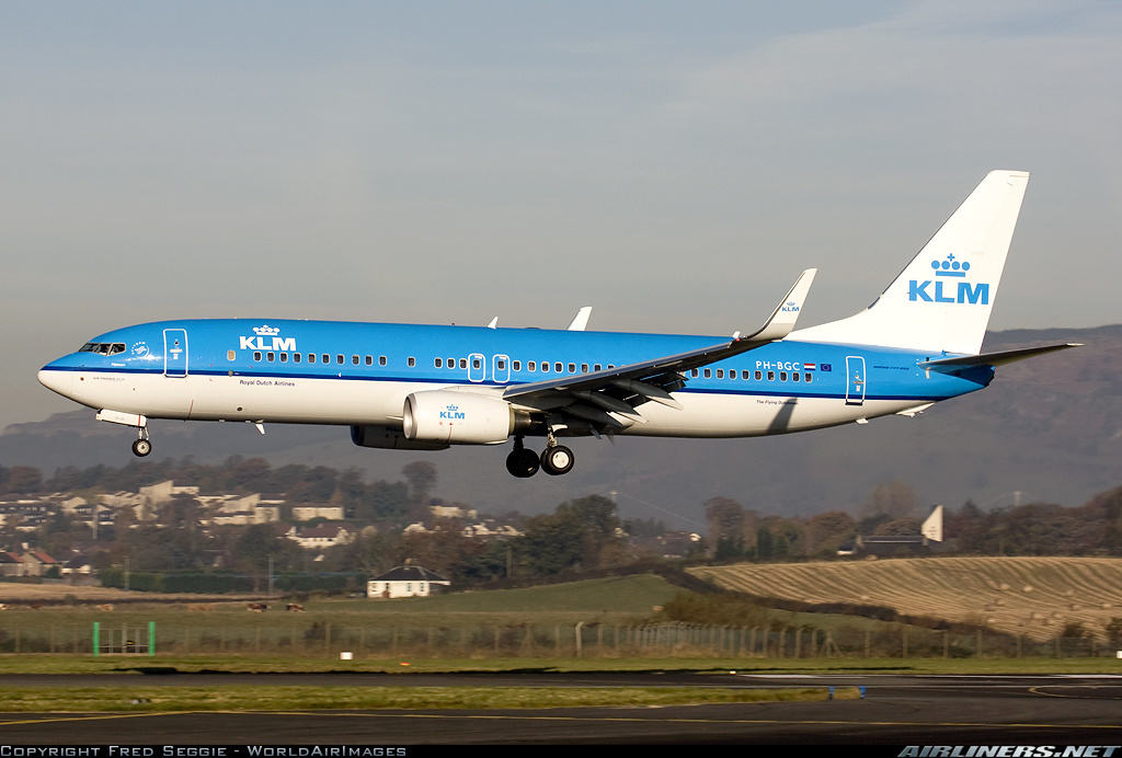KLM Royal Dutch Airlines pilot suffers heart attack at Glasgow